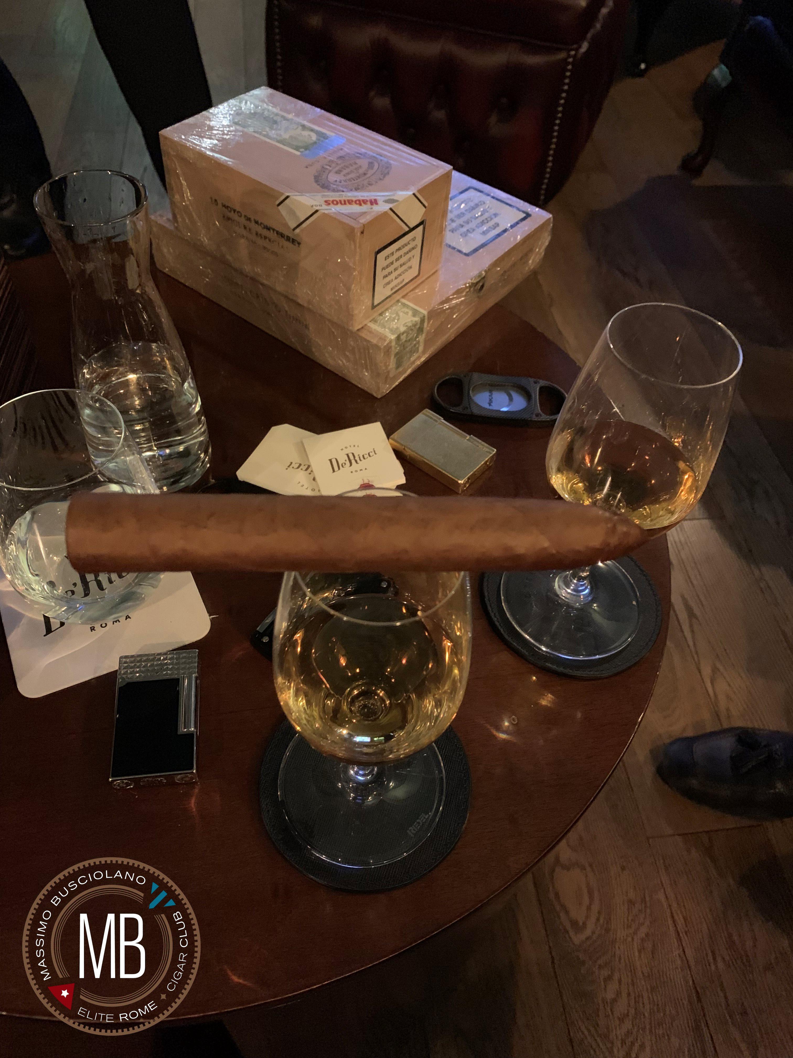 """Hotel De' Ricci Cigar Lounge"""