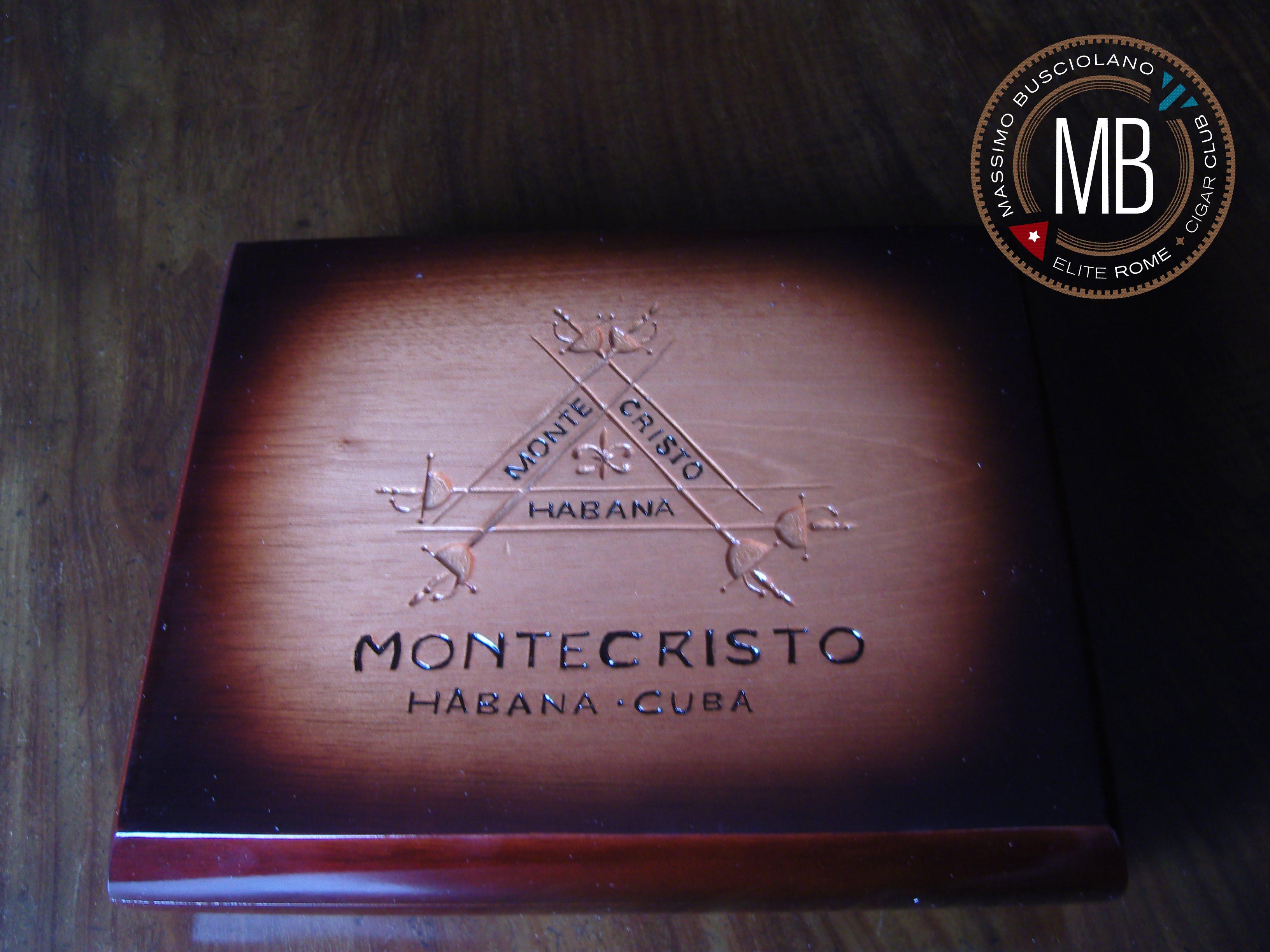 """""""Montecristo Humidor"""""""